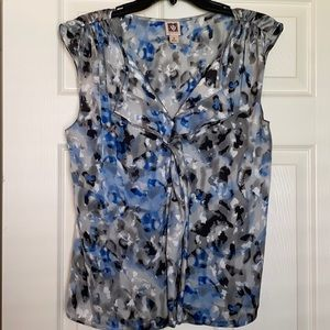 ANNE KLEIN SLEEVELESS TOP!!